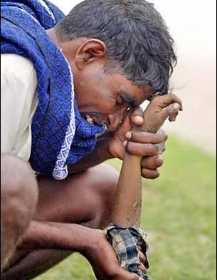 纪念因印度洋海啸而遇难的人们