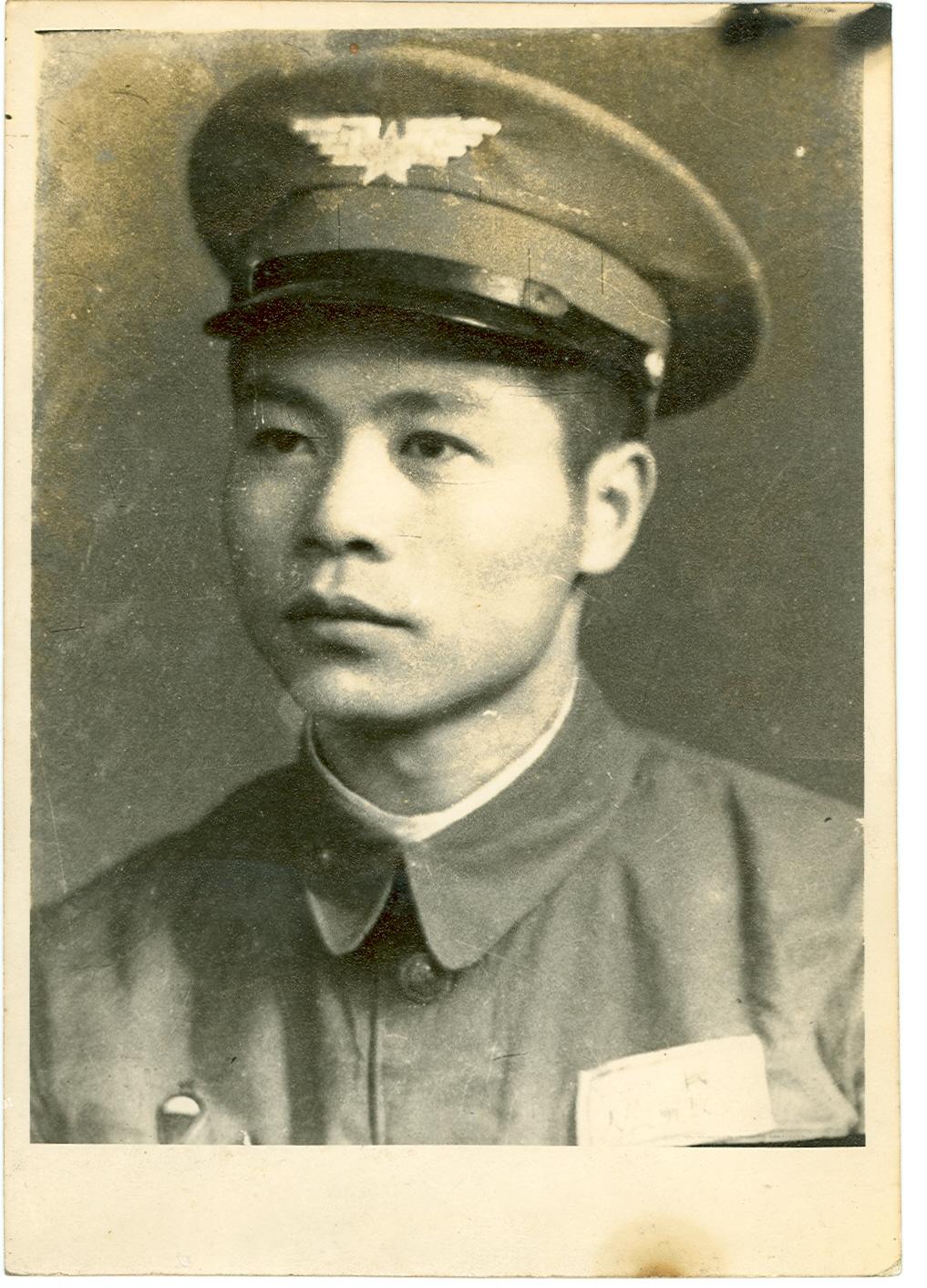 记念先父鄧公汝彬医师